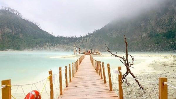 tempat wisata di bandung - kawah putih