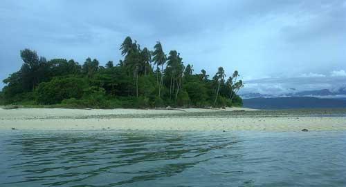 tempat wisata Pulau Dua di papua barat