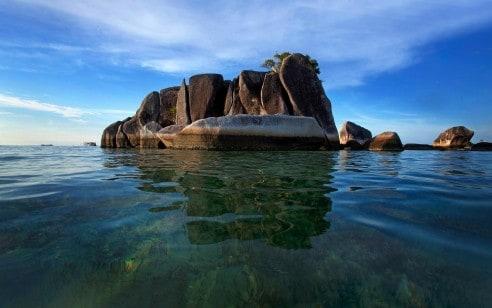 tempat wisata di bangka belitung - Pulau Memperak