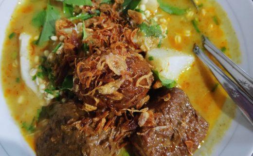 tempat makan enak di Jakarta - Laksa Betawi Assirot